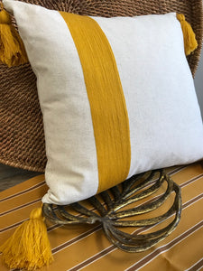 The Ribbon Pillow