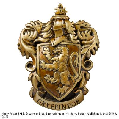 Gryffindor-crest-wall-relief-small