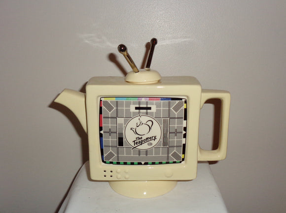 Swineside Teapottery Retro Television Novelty Pottery Teapot New Old Stock