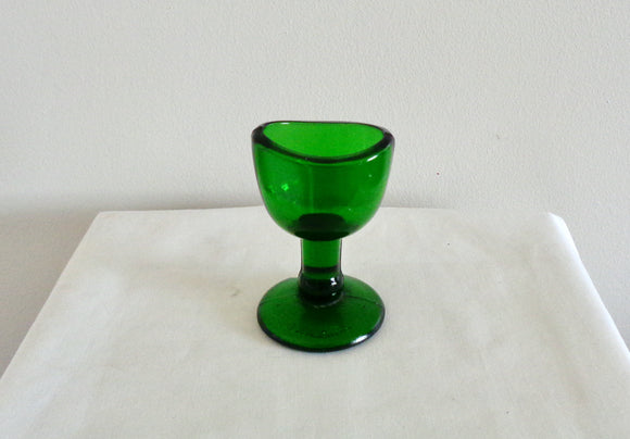 1920s Woods Brothers Green Glass Eye bath Cup