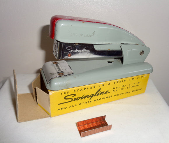 Vintage Small Swingline 99 Desk Stapler With Staples