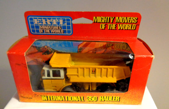 ERTL Mighty Movers 1852 International 350 Hauler Model Lorry