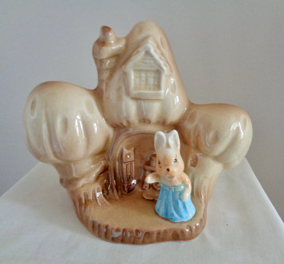 1950s SylvaC 4887 Bunny House In The Glen Basket