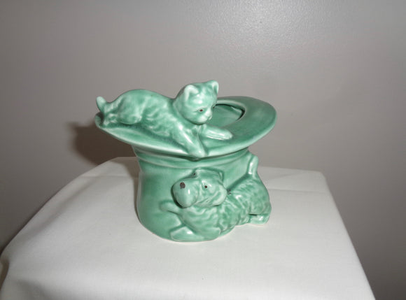 1940s SylvaC Green Model 1484 'Cat And Dog On Top Hat' Posy Vase