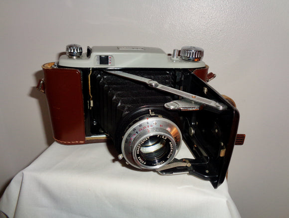 1950s Kodak 620 Model B31 Medium Format Roll Film Camera