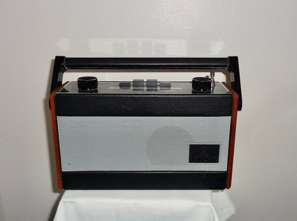 Vintage R717 Roberts Radio In Original Black Leatherette