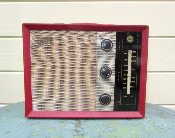 1950s Vintage Berec Fiesta MW/LW Portable Valve Radio Made By Ever Ready UK