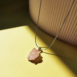 Load image into Gallery viewer, Morganite Raw Gemstone Necklace