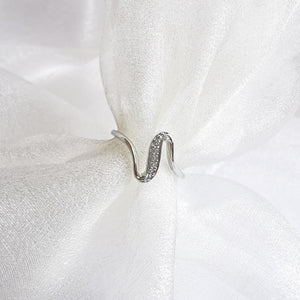Layla Wave White Topaz Ring