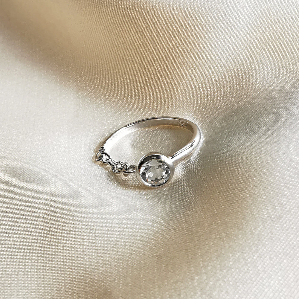 Rhodium Plated Round Cut White Topaz Silver Chain Ring