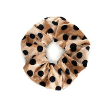 Load image into Gallery viewer, VELVET SPOTTY SCRUNCHIE
