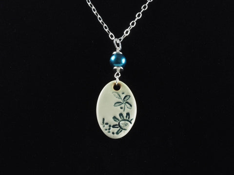 "1.5"" Oval Lace Pendant Necklace J1025"