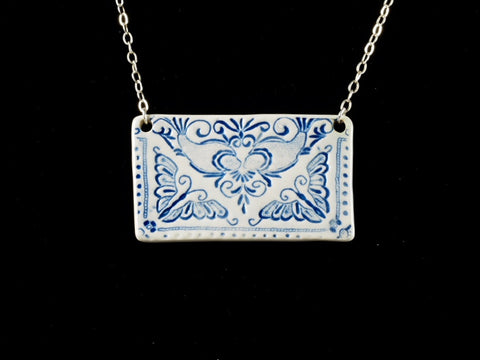 "2.5"" x 1.5"" Lace Pendant Necklace J1042"