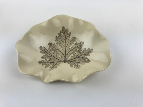 Citronella Leaf Emblazoned on Small Dish 17086