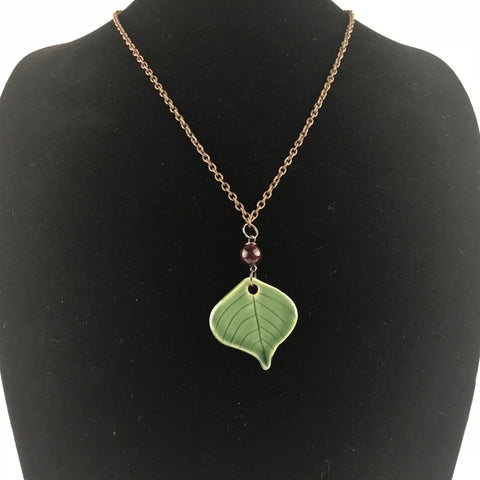 Popcorn Berry Leaf Necklace J17090
