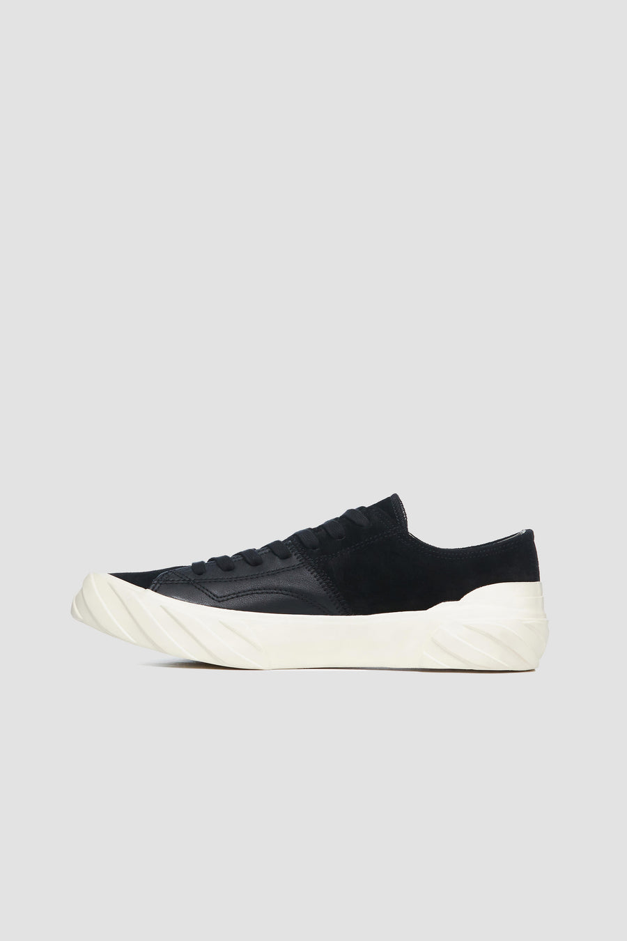 AGE - Low-Cut Leather and Suede Sneakers