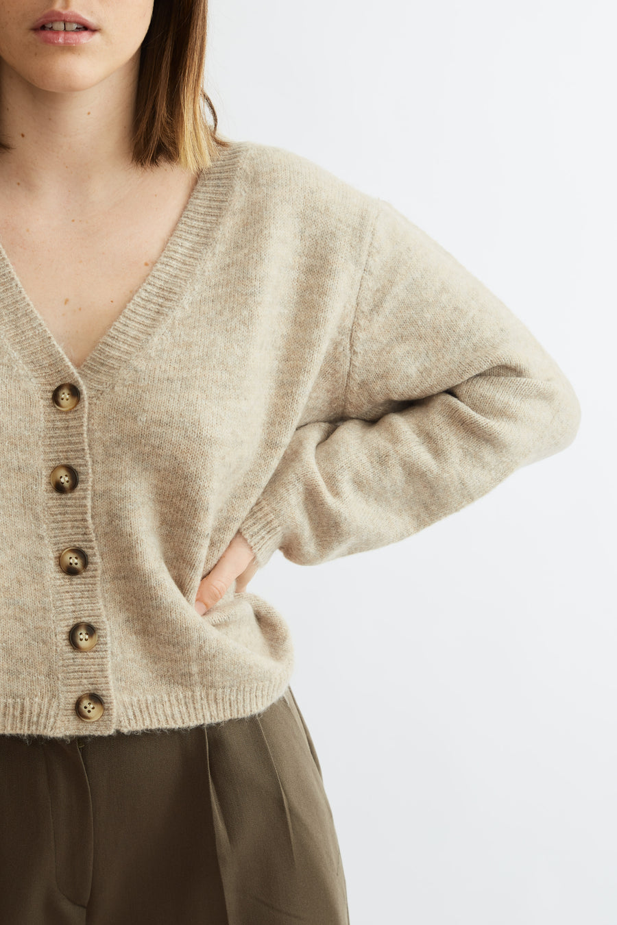 Super Soft Knit Cropped Cardigan (beige)