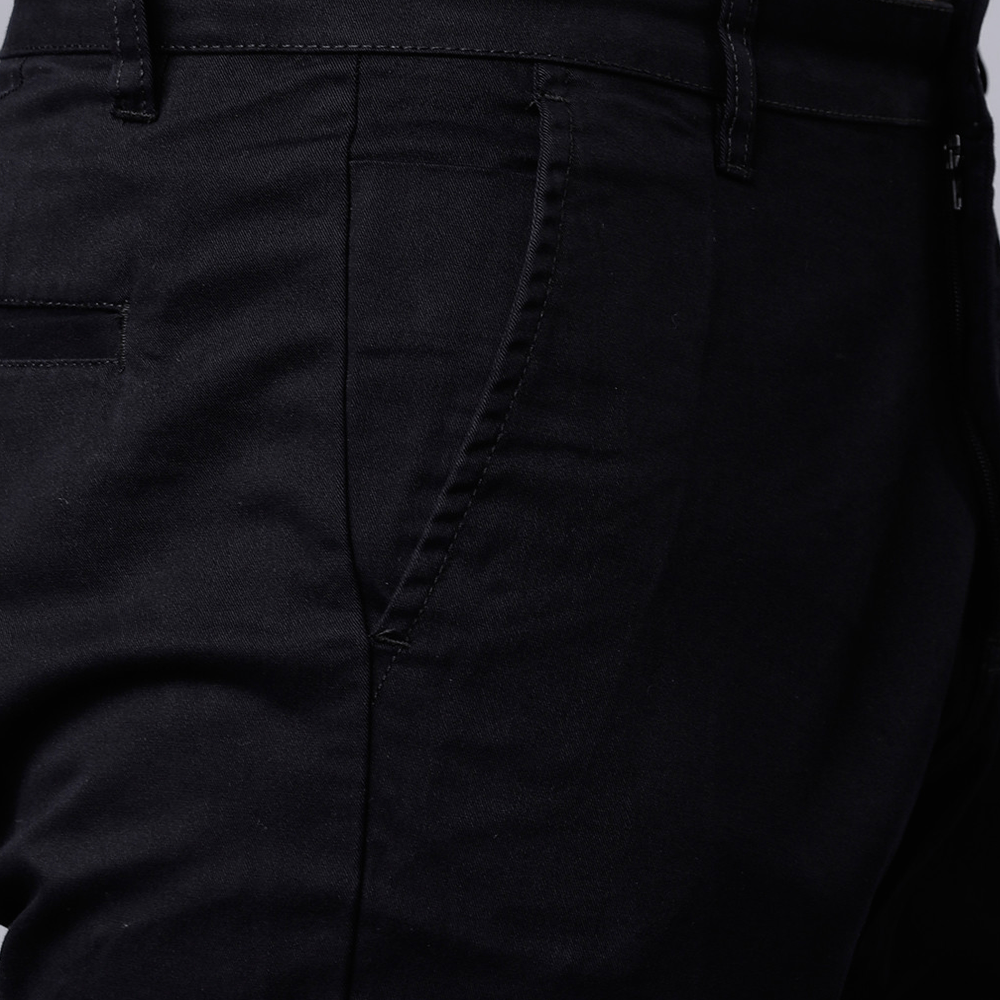 Men Black Slim Fit Solid Chinos - Style & Youth