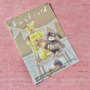 Hayfield ,Knitting Pattern 4833 ,  Rabbit and Cat