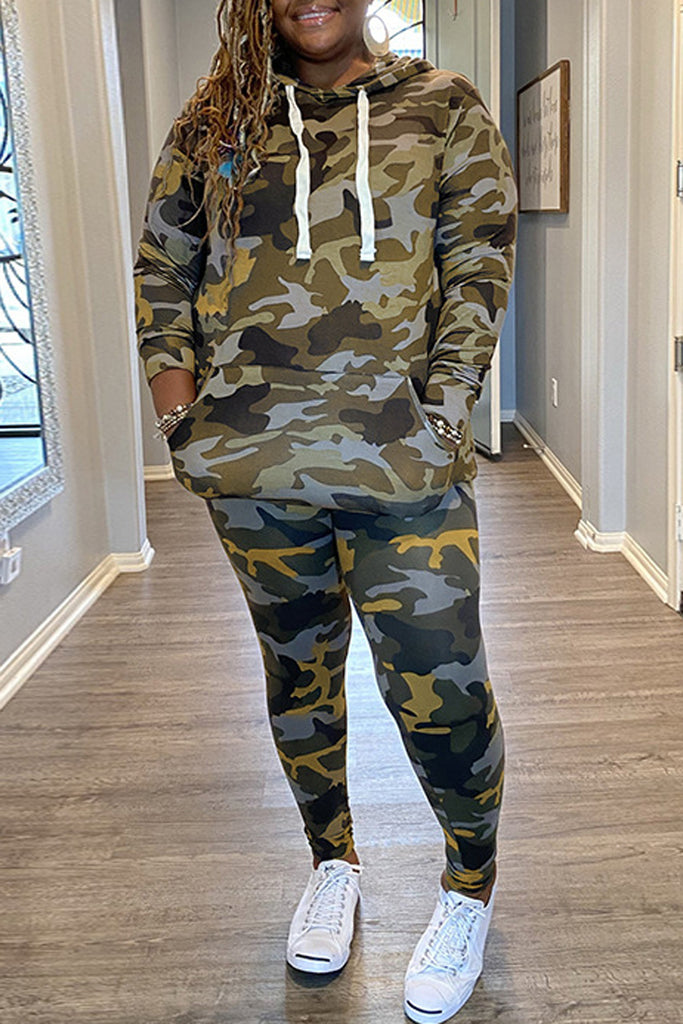 Camouflage Printed Plus Size Hooded Top & Pants
