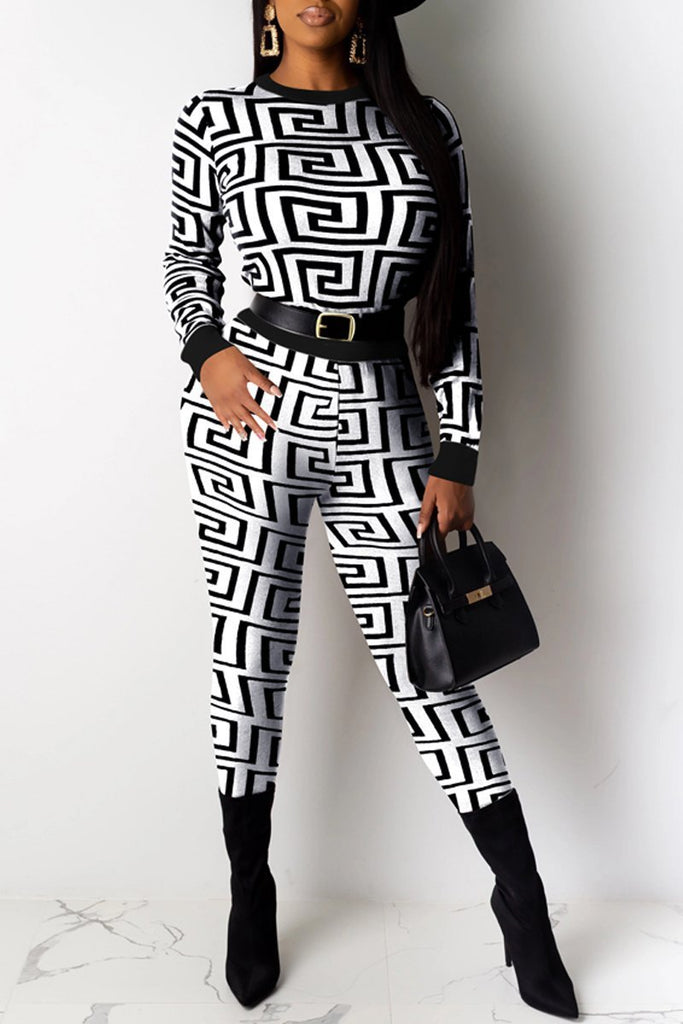 Geometric Print Round Neck Top & Pants Without Belt