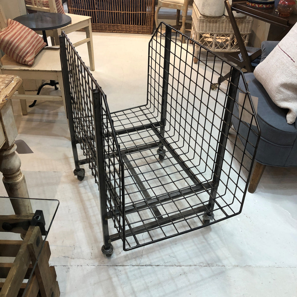 Metal Grid Rolling Rack