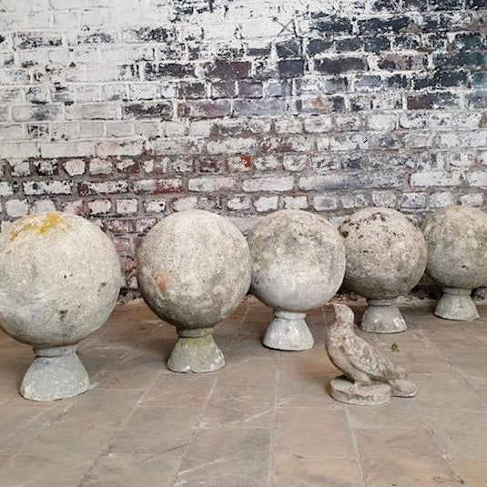 Garden balls - cement with free form base