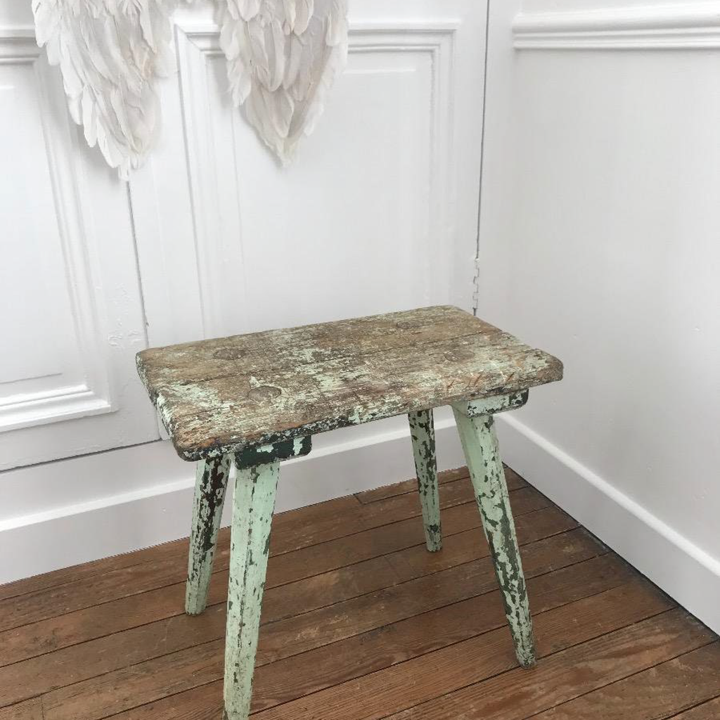 Crusty Mint Stool