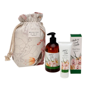 GIFT BAG ELDERFLOWER, COCONUT & VANILLA (HAND BALM, BODY WASH & SPONGE)