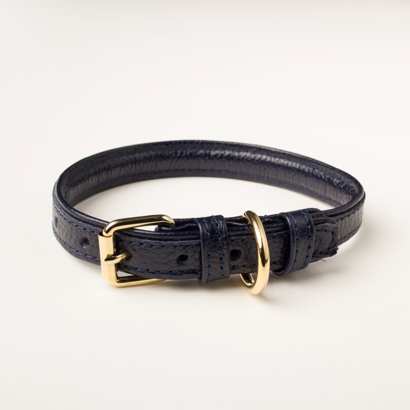 Willow Walks leather collar in midnight navy