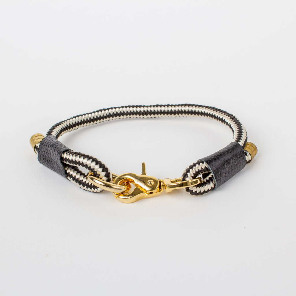 Willow Walks marine rope collar with leather details in black and white