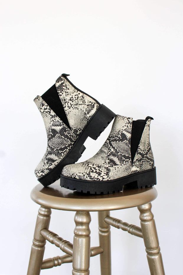 WARFARE-08A SNAKE BEIGE PU - FYShoes