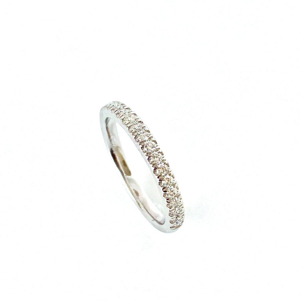 PLATINUM 25PT DIAMOND BAND