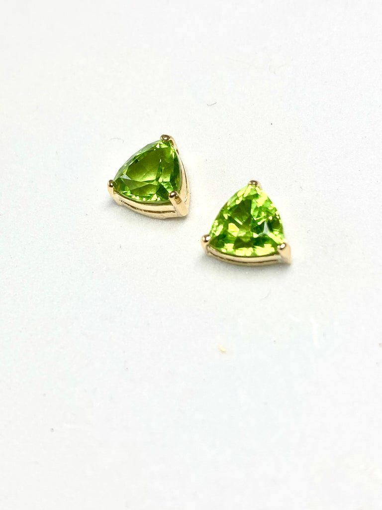 HANDMADE TRILLIUM PERIDOT GOLD EARRINGS