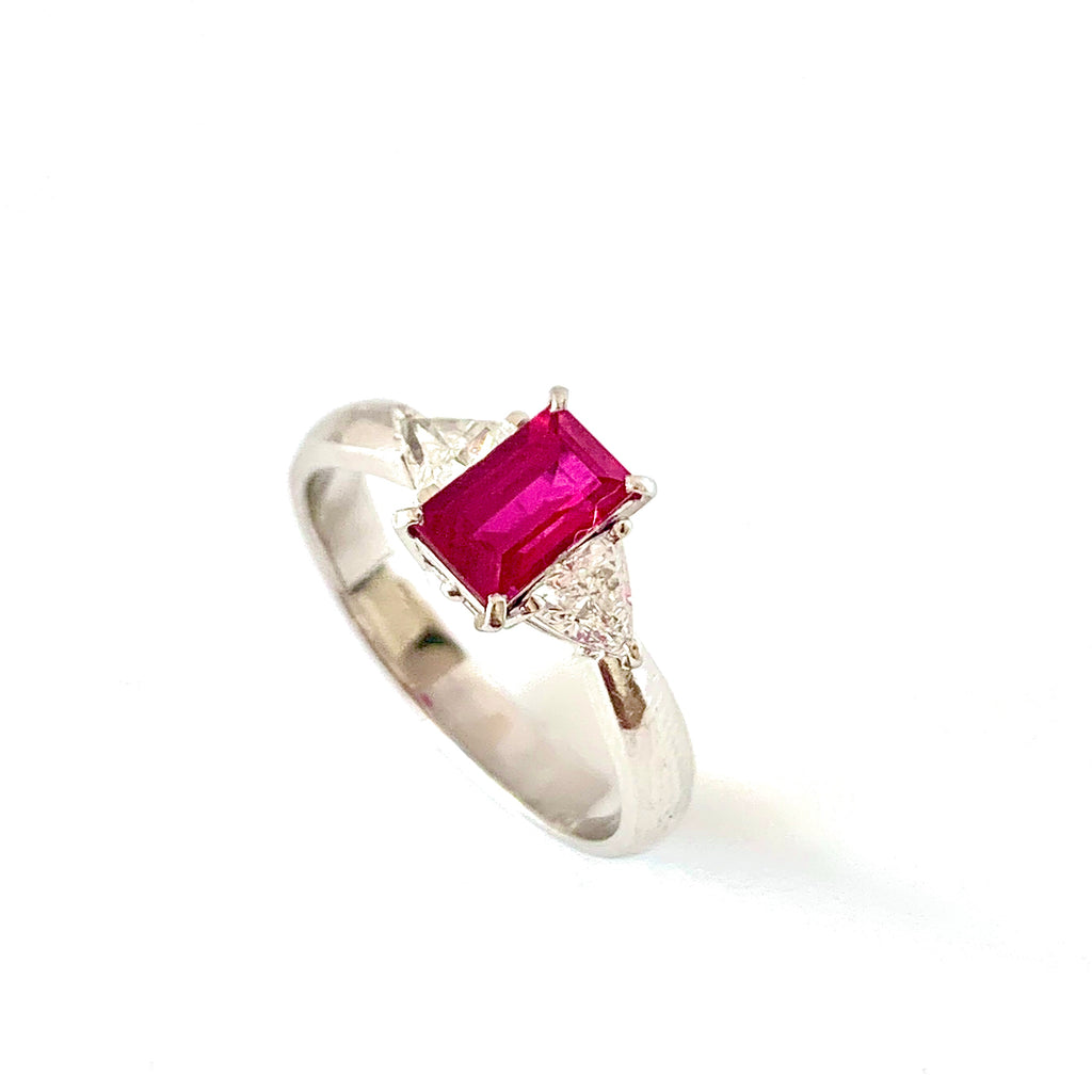 VINTAGE PLATINUM BURMESE RUBY AND DIAMOND RING