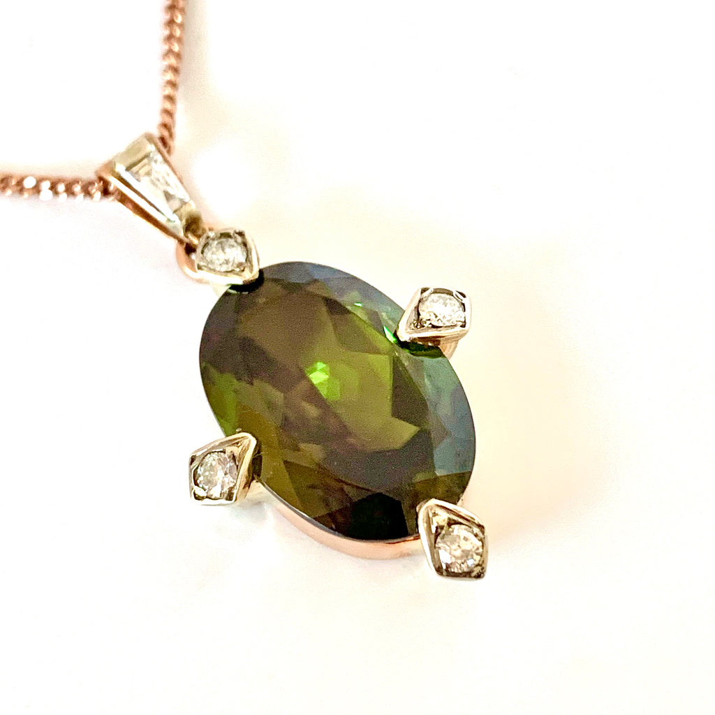 VINTAGE RARE SPHENE AND DIAMOND PENDANT