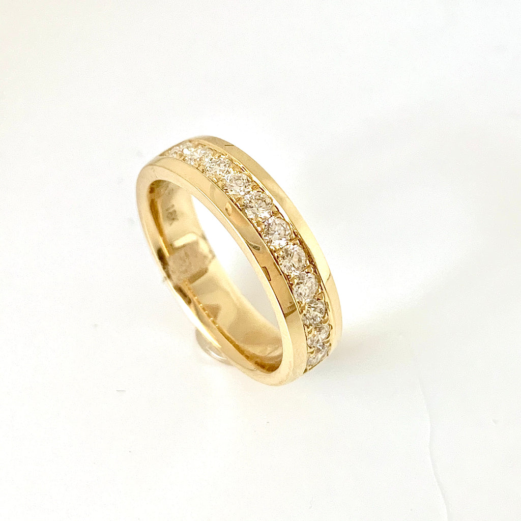 18CT GOLD 50PT DIAMOND BAND