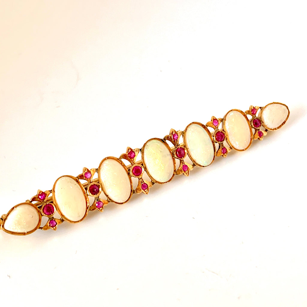 15CT GOLD OPAL AND NATURAL RUBY BROOCH