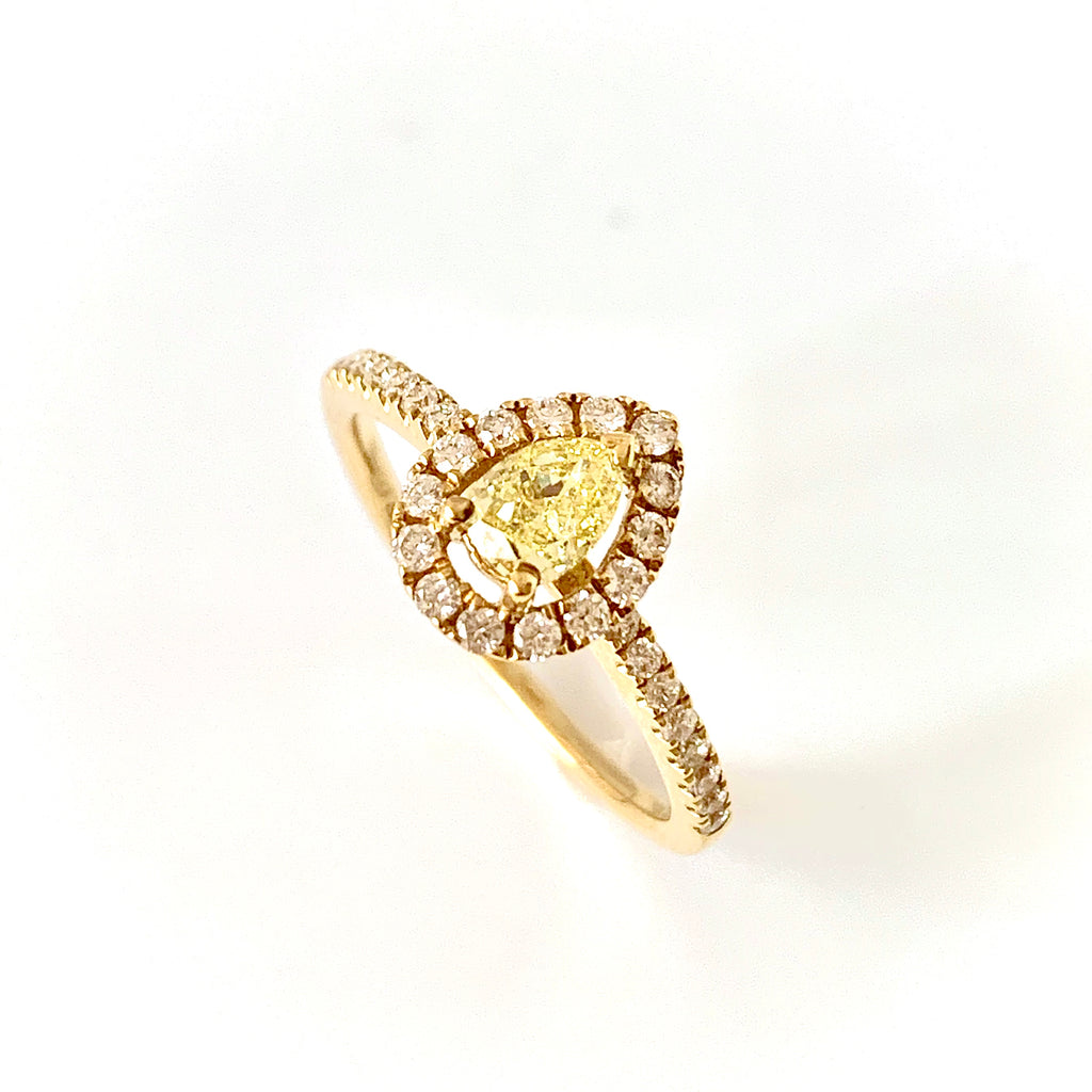 18CT YELLOW GOLD PEAR SHAPED YELLOW DIAMOND RING