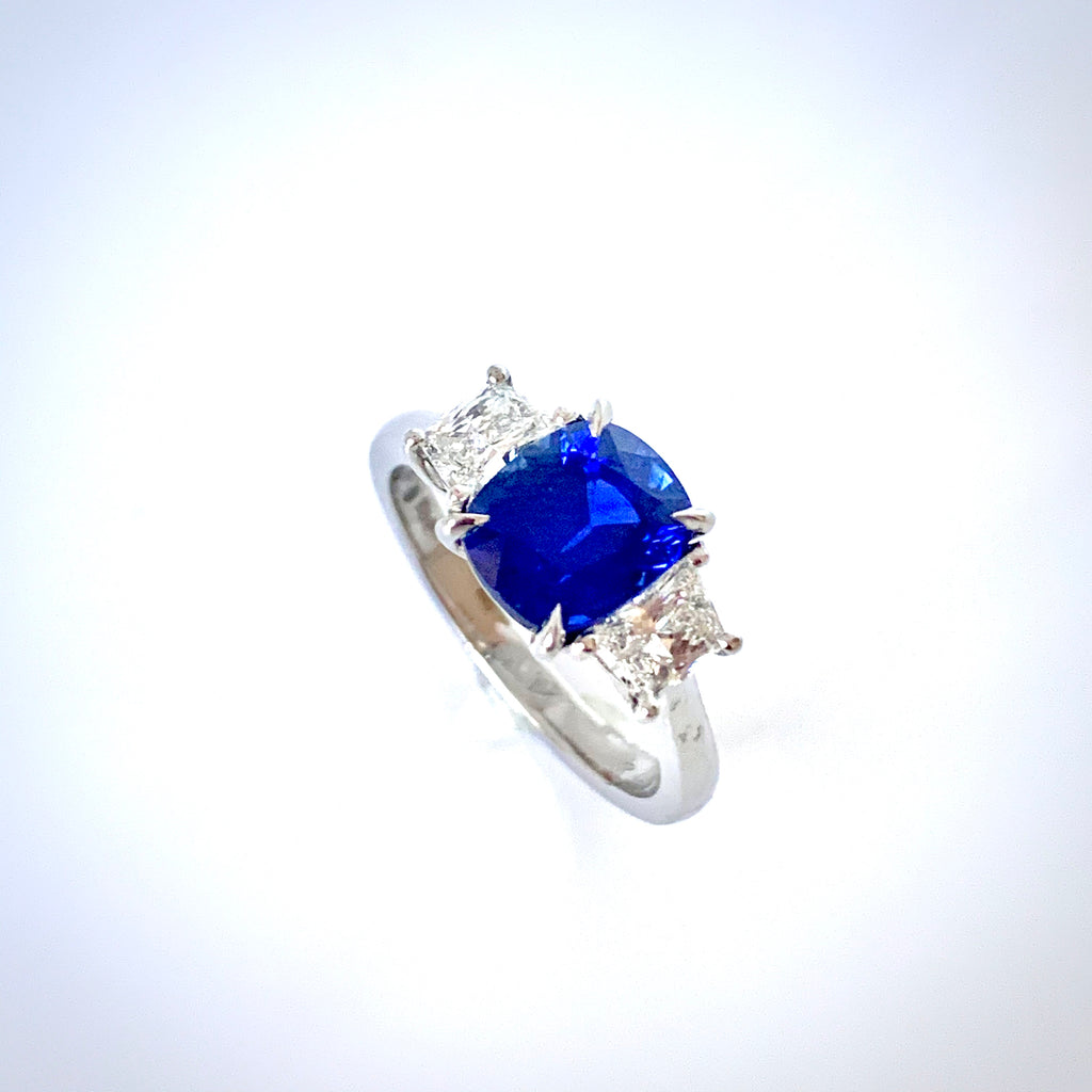 PLATINUM 2.60CT SAPPHIRE AND DIAMOND RING