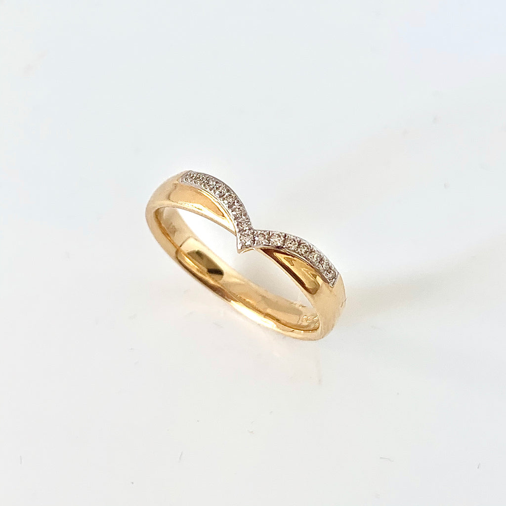 18CT YELLOW WISHBONE SHAPED DIAMOND WEDDING RING