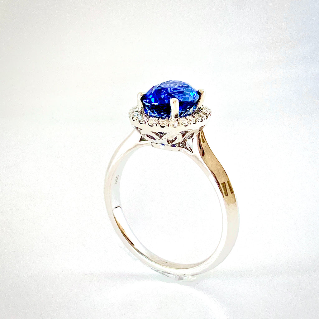 NEW 2.58CT ROYAL BLUE SAPPHIRE AND DIAMOND HALO RING