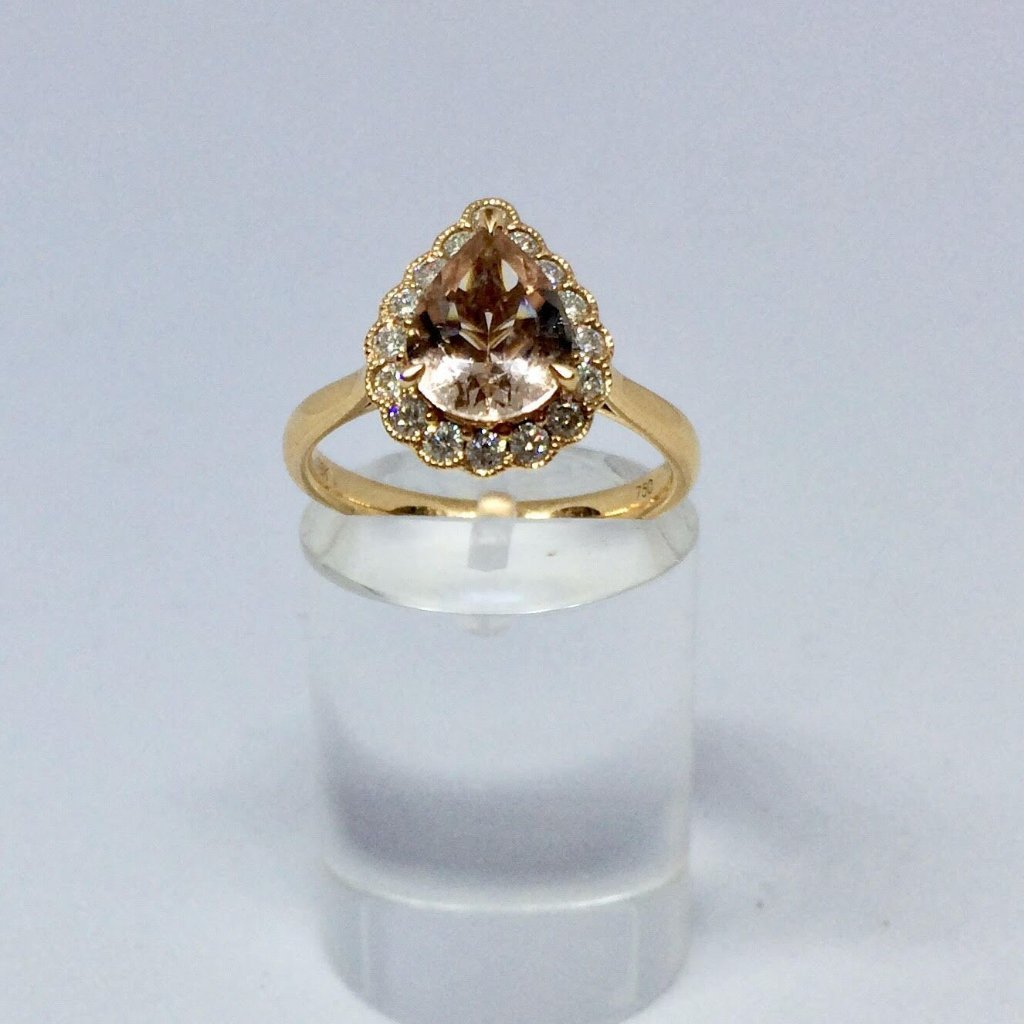18CT ROSE GOLD PEAR SHAPED MORGANITE DIAMOND CLUSTER RING