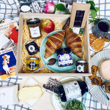 Load image into Gallery viewer, Le Élise Hamper - Luxury Vegetarian Hamper - French Food Gifts   - La French Maison