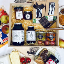Load image into Gallery viewer, Deluxe Couple Hamper (Vegetarian) in its luxury wooden box!