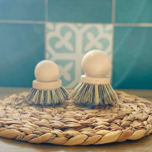 pot scrubber made of wood and traditional