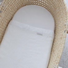 Load image into Gallery viewer, Bamboo White Bassinet Waffle Blanket - Bubify