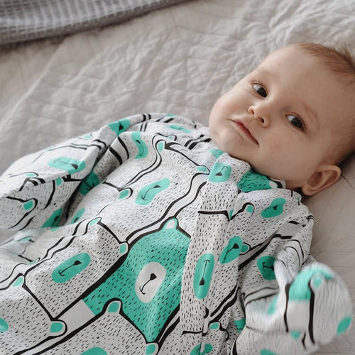 Sleep Hugs Swaddle - Minty Bears (ALL SEASONS)