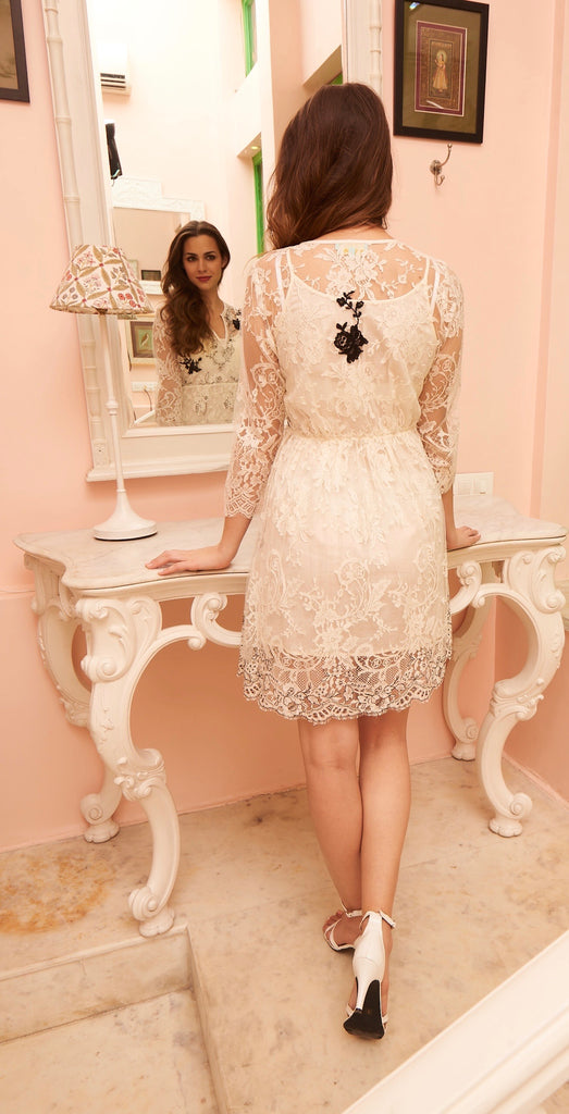 Intemporelle  French lace dress
