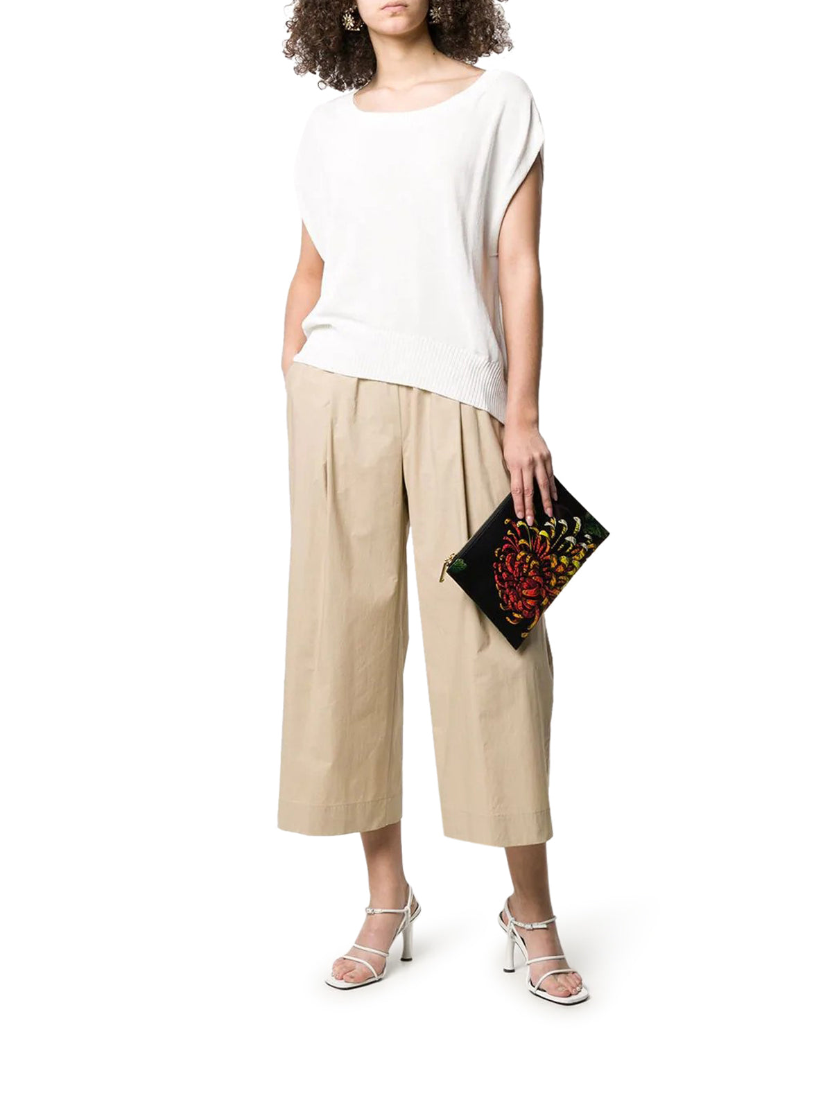 low-waist wide cropped trousers